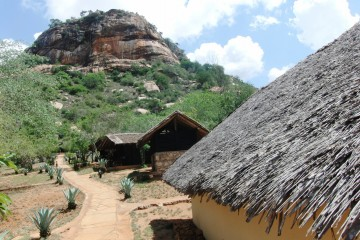 Rock Side Camp nahe des Tsavo Ost Nationalparks