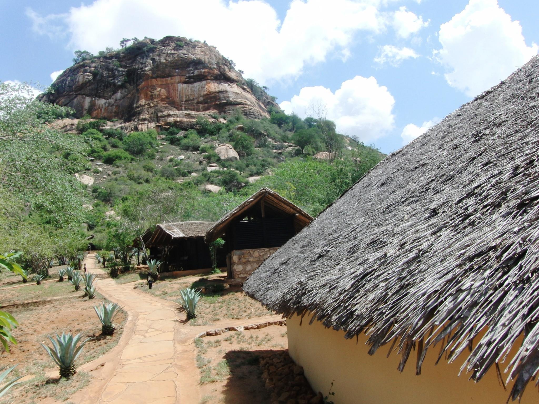 Rock Side Camp nahe des Tsavo Ost Nationalparks
