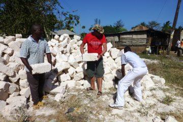 Ein neues Schulgebäude aus Stein für unsere Patenschule in Kenia