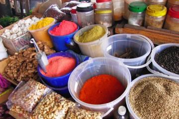 Gewürze auf dem Markt in Mombasa