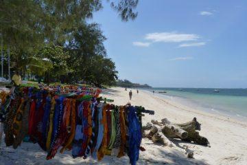 Strand-in-Kenia-Momentaufnahme-Indischer-Ozean