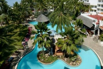 Pool und Garten im Bamburi Beach Hotel