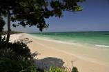 breiter, weißer Sandstrand am Baobab Beach Resort