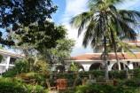 tropischer Garten des Diani Sea Resorts Kenia