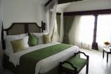 Ausstattung eines Zimmers im Emrald Flamingo Beach Resort