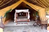 afrikanisch gestaltetes Safari-Zelt im Flamingo Hill Camp