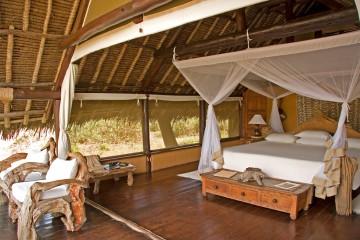 afrikanisch gestaltetes Zelt im Private Galdessa Camp