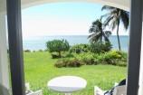 Blick von der Terrasse zum Ozean im Leisure Lodge Resort