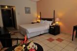 modern gestaltete Zimmer im Mombasa Continental Resort
