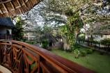 Blick vom Zimmer in den Garten des Neptune Paradise Beach Resorts