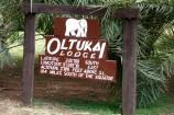 Begrüßungsschild am Eingang zur Ol Tukai Lodge