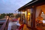 Zelt mit Dinner im Olare Mara Kempinski Camp