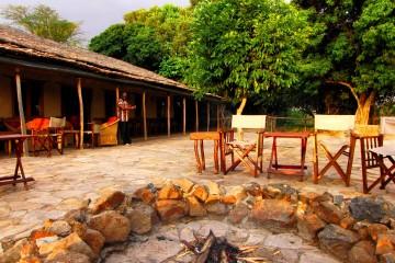 Lagerfeuer des Oloshaiki Camps im Masai Mara Schutzgebiet