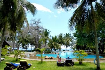 Poolbereich des Papillon Lagoon Reef am Diani Beach