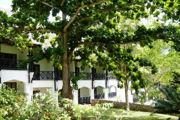 Hotelanlage des Papillon Lagoon Reef am Diani Beach