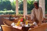 Frühstück mit frischem Obst im Pinewood Beach Resort