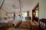 Suite mit separatem Wohnbereich und Terrasse im Swahili Beach Resort