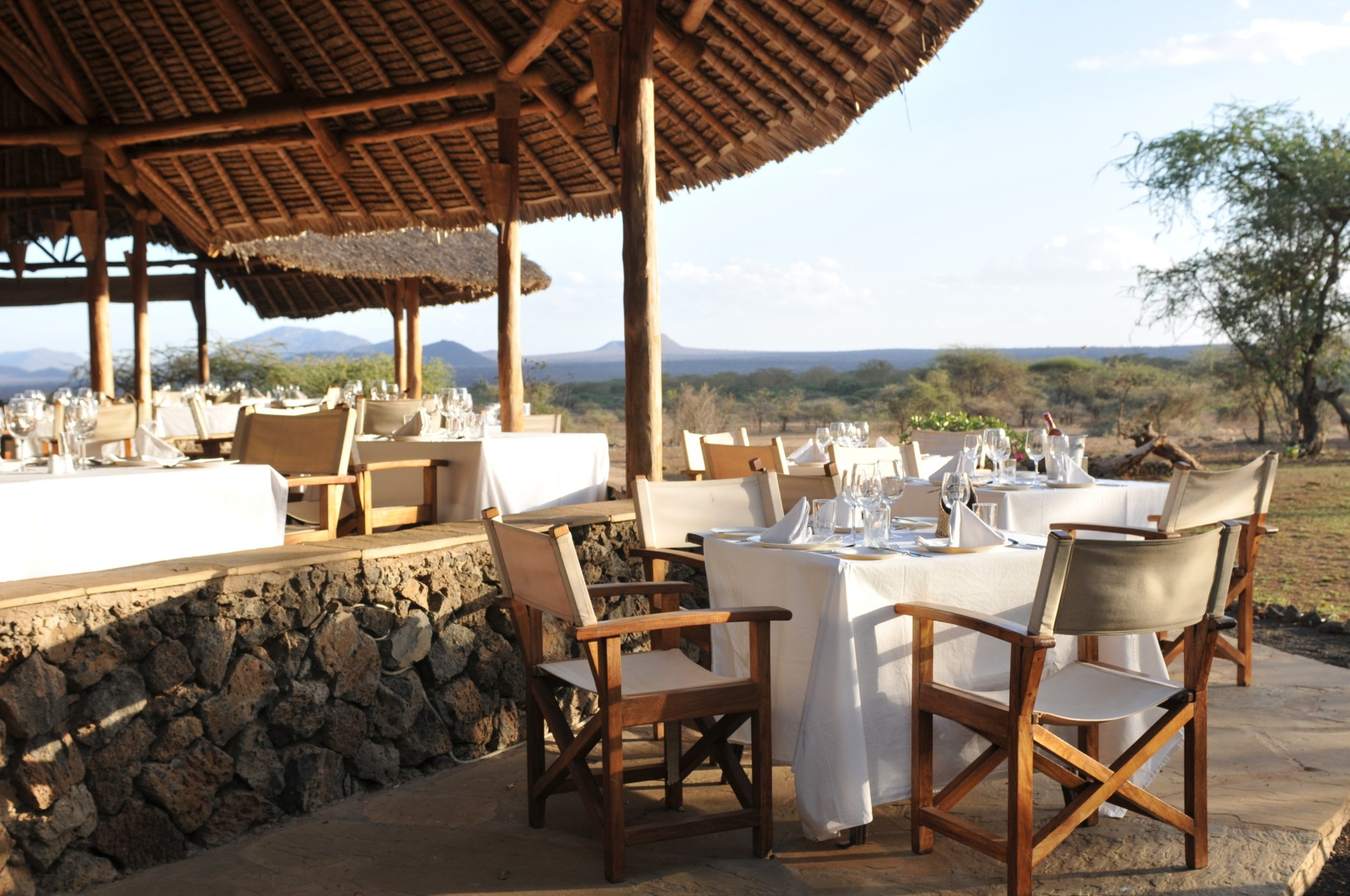Restaurant im Freien im Severin Safari Camp