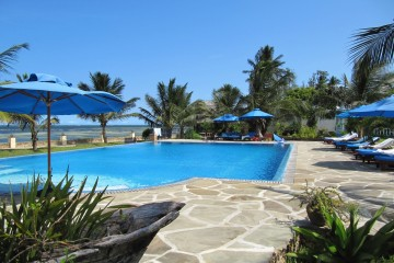 Pool am Meer im Salama Beach Resort