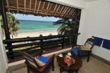 Balkon mit Blick aufs Meer im Southern Palms Beach Resort