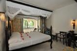 Zimmer mit Blick in den Garten im Southern Palms Beach Resort
