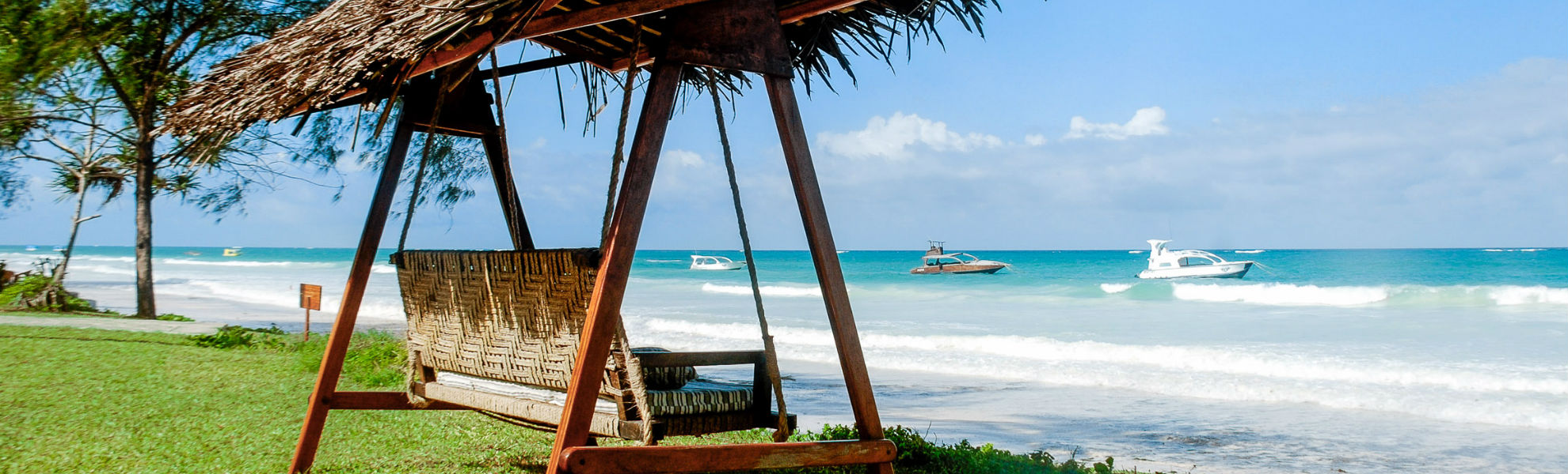 Sonnenliege im Hotel The Sands at Nomad am Diani Beach