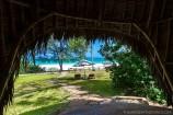 Blick von der Terrasse eines Beach Cottages zum Meer im Hotel The Sands at Nomad