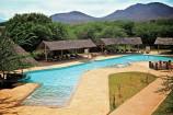 Pool in der Voi Wildlife Lodge