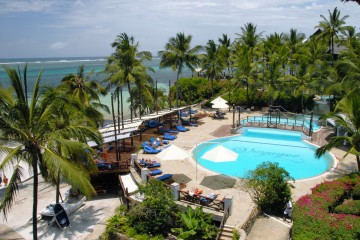 Pool am Strand des Voyager Beach Resorts