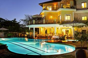 Pool und Anlage des Afrochic Boutiqe Hotels