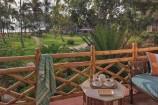 Gartenblick vom Balkon des Zimmers im Bluebay Beach Resort