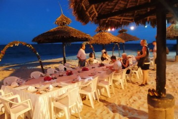 Dinner am Strand im Southern Palms Beach Resort