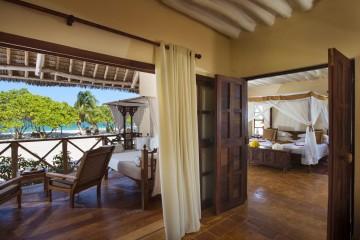 Zimmer mit separater Terrasse und Meerblick im Neptune Pwani Beach Resort auf Sansibar