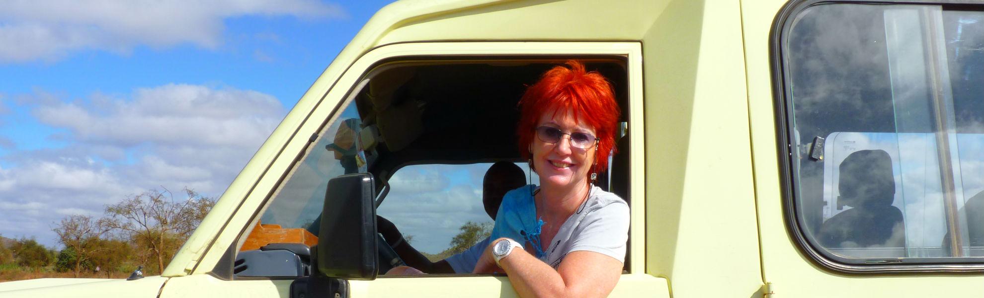 Frau Marina Schmidt auf Safari in Kenia