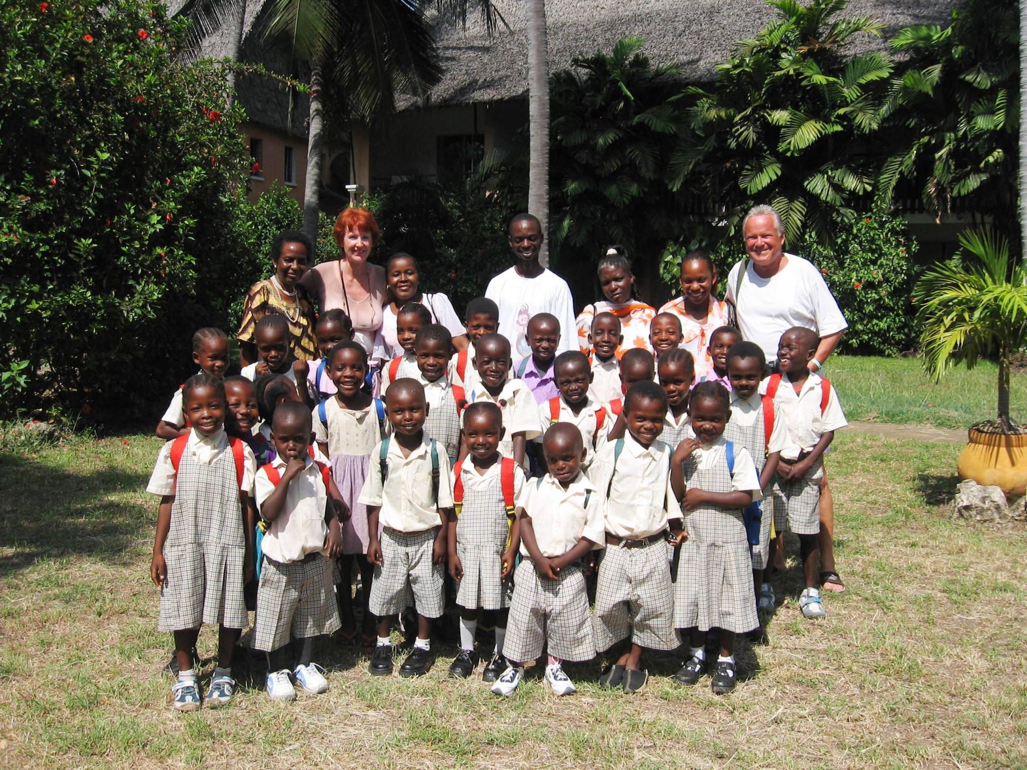 Patenkinder zu Besuch im Bahari Beach Hotel