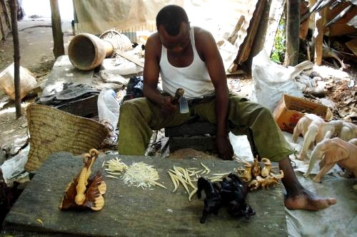 Akamba Holzschnitzerdorf in Kenia
