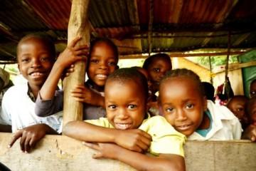 Herr Hahnefeld besucht unsere Patenschule in Kenia im September 2013