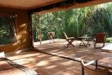Zeltterasse im Rhino River Camp