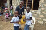 Glückliche-Patenkinder-soziales-Hilfspojekt-Reisekontor-Schmidt-Kenia