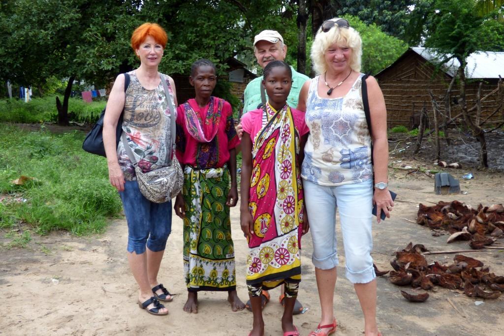 Kenia Gruppenreise mit Keniaspezialist Reisekontor Schmidt - zu Besuch beim Patenkind - Kenia-Urlaub mit Kenia Safari Reise