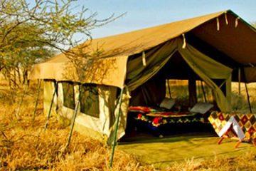 Serengeti Wildcamp Tansania Gruppenreise Ostafrika