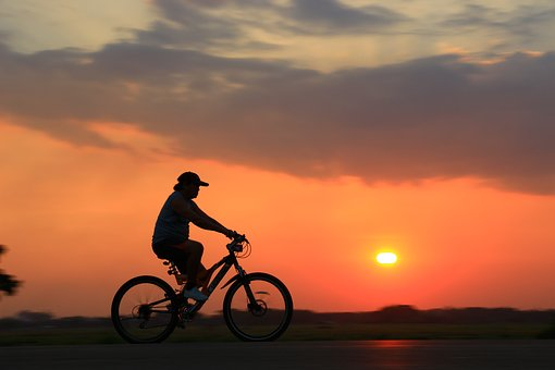 Fahrradtour im Hells Gate NAtionalpark mit keniaspezialist keniaurlaub.de Reisekontor Schmidt