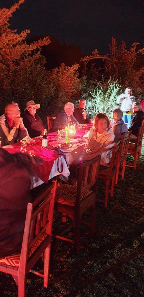 Bush Dinner vom Oloshaiki Camp während einer Kenia Safari von KeniaSpezialist keniaurlaub.de Reisekontor Schmidt
