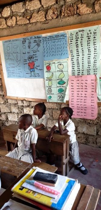 Im Unterricht - unsere Patenschule in Kenia
